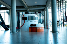 service point d'information Lyon Aéroport